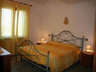 3 bedroom Apartment with Deck in San Teodoro - San Teodoro vacation rentals