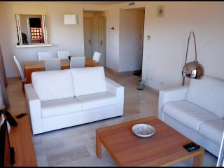 Cozy 2 bedroom Cancelada Condo with Dishwasher - Cancelada vacation rentals