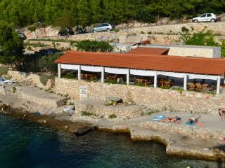 Beautiful 5 bedroom Cove Jagodna (Brusje) House with Internet Access - Cove Jagodna (Brusje) vacation rentals