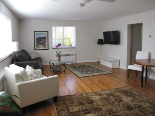 Sunny Spacious 1 bedroom in Country Club area - Denver vacation rentals