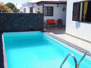 Villa aloe. Private pool. Quiet place - Guime vacation rentals
