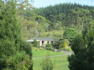 Bledisloe Cottage - Blissful Retreat - Paihia vacation rentals