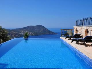 Luxury 5 bedroom villa, infinity pool & jacuzzi - Kalkan vacation rentals