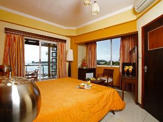 SEA RADIANCE  HOTEL  G BAIE  PETIT DEJEUNER OFFERT - Mont Choisy vacation rentals