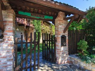 Nice Farmhouse Barn with Internet Access and Linens Provided - Agrate Conturbia vacation rentals