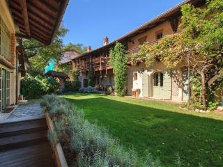 Nice Farmhouse Barn with Internet Access and Central Heating - Agrate Conturbia vacation rentals