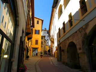 Vista Rocca/500 euros/wk to include 2 persons - Preci vacation rentals