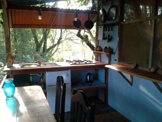 2 rooms with kitchenette private bath, hot shower - Santiago de Puriscal vacation rentals