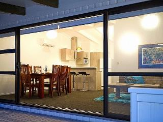 2 bedroom Cottage with Deck in Whitianga - Whitianga vacation rentals
