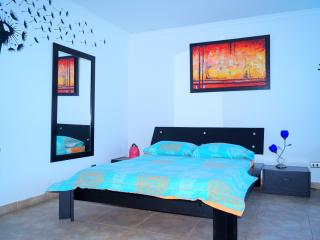 COZY STUDIO WITH A WONDERFUL VIEW TO THE ISLAND OF - Cartagena vacation rentals