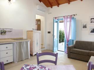 LA CORTE DEI COLORI appartamento lilla - Spongano vacation rentals