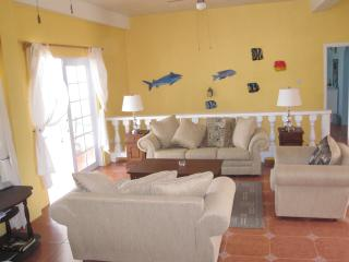 Spacious 4 bedroom Vieux Fort Villa with Internet Access - Vieux Fort vacation rentals