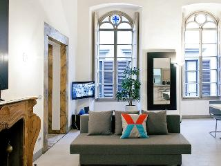 Modern Palace Apartment - FREE PARKING INCLUDED - Florence vacation rentals