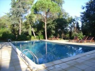 Les Quatre saisons, French country cottages sleep - Tourbes vacation rentals