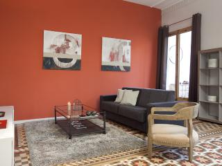 Cozy Rambla Catalunya Apartment - Barcelona vacation rentals