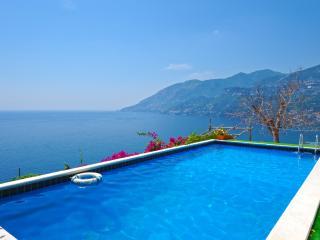 Villa Anna B - Maiori vacation rentals