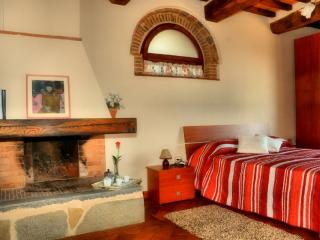 Romantic House with Central Heating and Shared Outdoor Pool - Pescia vacation rentals