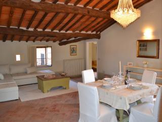 Apartment Castellano - Montecarlo vacation rentals