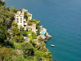 Bright 8 bedroom Ravello House with Internet Access - Ravello vacation rentals