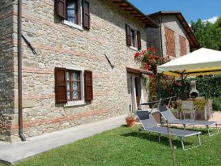 3 bedroom Cottage with Internet Access in Castelnuovo di Garfagnana - Castelnuovo di Garfagnana vacation rentals