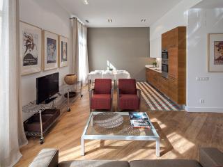 Habitat Apartments - Rambla Deluxe B - Barcelona vacation rentals