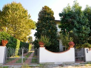 Bright House with Internet Access and Central Heating - Lido Di Camaiore vacation rentals