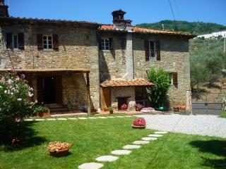 Lovely 3 bedroom Capannori House with Internet Access - Capannori vacation rentals