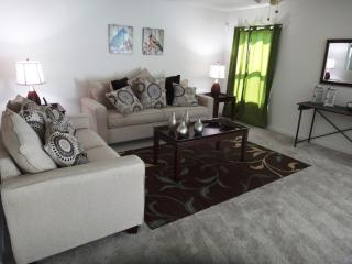 Sweet Holiday Villa, Perfect Family Vacation Home in Kissimmee - Kissimmee vacation rentals