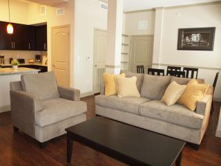 Miramar Two Bedroom and Two Bathroom - Miramar vacation rentals