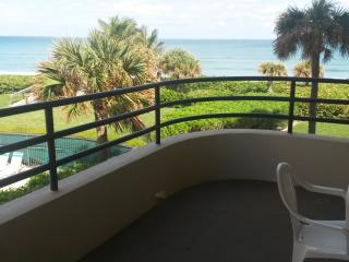 Beachfront Condo in Juno Beach - Ocean Views - Juno Beach vacation rentals