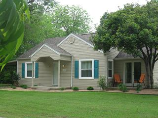Nice Bed and Breakfast with Internet Access and A/C - Justin vacation rentals