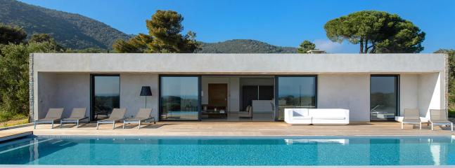 Modern luxury villa in Porto Vecchio, Corse, 8 p. - Corsica vacation rentals