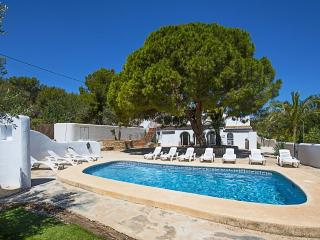 VILLA FANADIX: 7 bedroom, private pool, bbq, wifi - Benissa vacation rentals