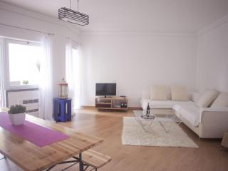 Cosy appartment with attic Cascais - Cascais vacation rentals