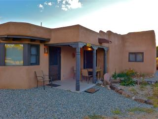 A Southwest Retreat in the Enchanted Forest of NM! - Carson vacation rentals