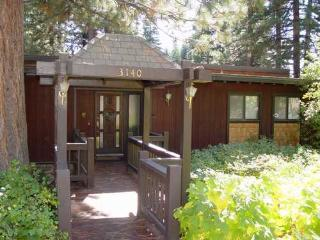 Aduzy, close 2 Tahoe City, hot tub, dog ok, garage - Tahoe City vacation rentals