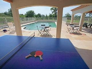 Syrah, 3 bed vacation apartment rental Provence with pool sleeps 6 - Lezan vacation rentals