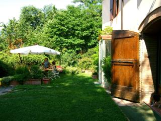 Bright 4 bedroom Bed and Breakfast in Salsomaggiore Terme with Internet Access - Salsomaggiore Terme vacation rentals