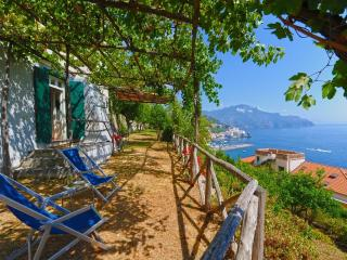 2 bedroom Apartment with Internet Access in Amalfi - Amalfi vacation rentals