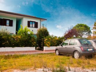 Bright 4 bedroom Scalea House with Parking - Scalea vacation rentals