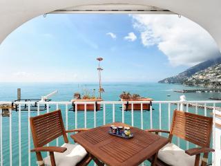 Dipinta di blu with terrace overlooking the sea - Amalfi vacation rentals