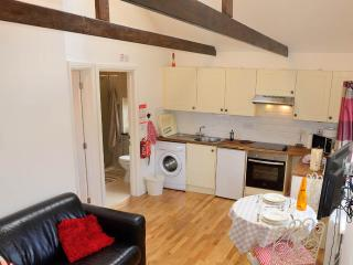 1 bedroom Cottage with Internet Access in Leeds - Leeds vacation rentals