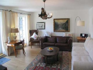 LLAG Luxury Vacation Apartment in Füssen - 750 sqft, idyllic location, close to center (# 232) - Schwangau vacation rentals