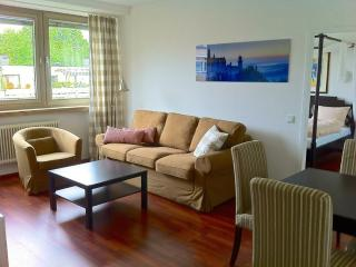 Vacation Apartment in Munich - 807 sqft, centrally located, nice furnishings, internet available (#… - Eichenau b Muenchen vacation rentals