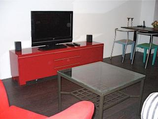 Vacation Apartment in Munich - centrally located, nice furnishings, internet available (# 826) - Kirchheim b.München vacation rentals