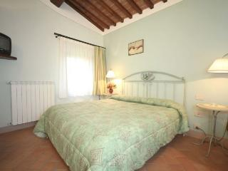 APARTMENT FIORDALISO 2603 - Colle di Val d'Elsa vacation rentals