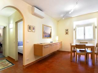 Florence centre, 1 bedroom, WIFi, A/C (Terme 02) - Florence vacation rentals