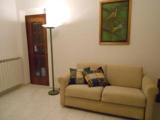 2 bedroom Condo with Internet Access in La Spezia - La Spezia vacation rentals