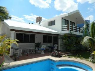 Casa Jz. Casa Frente Al Mar Con Piscina En Segunda Fila - Chicxulub vacation rentals