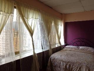 Mini Apartamentos El Paraiso Caracas - Chacao vacation rentals